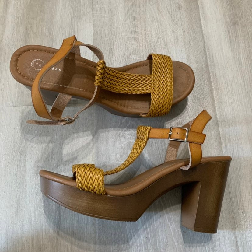 Cato Chunky Platform Sandals Heels 9M