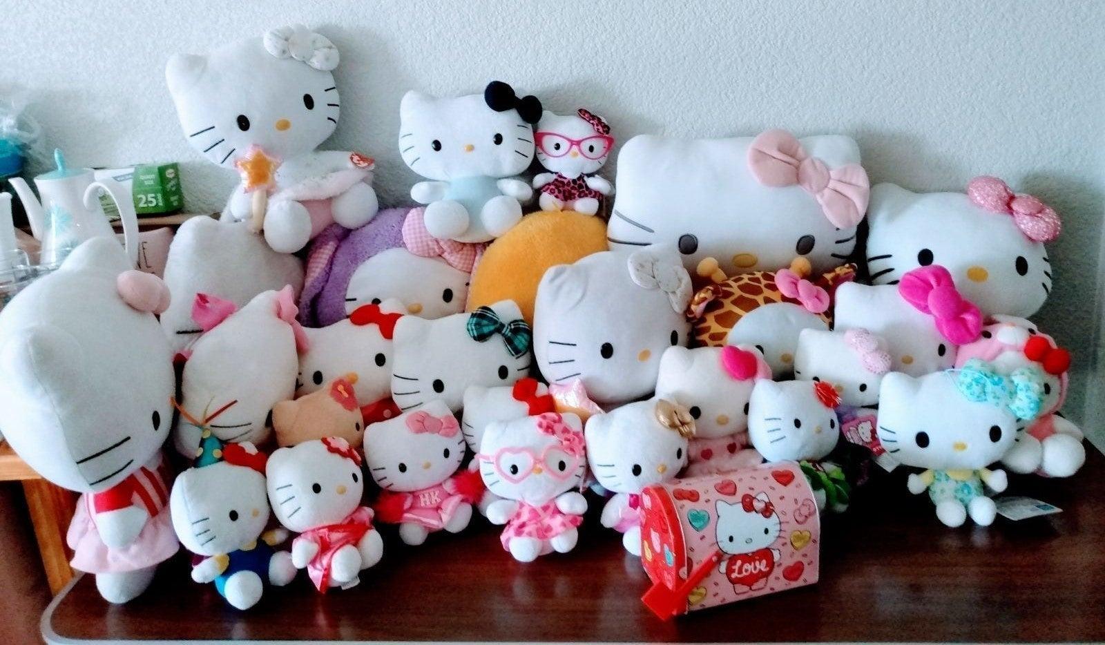 Ultimate Dream Hello Kitty Plush Bundle