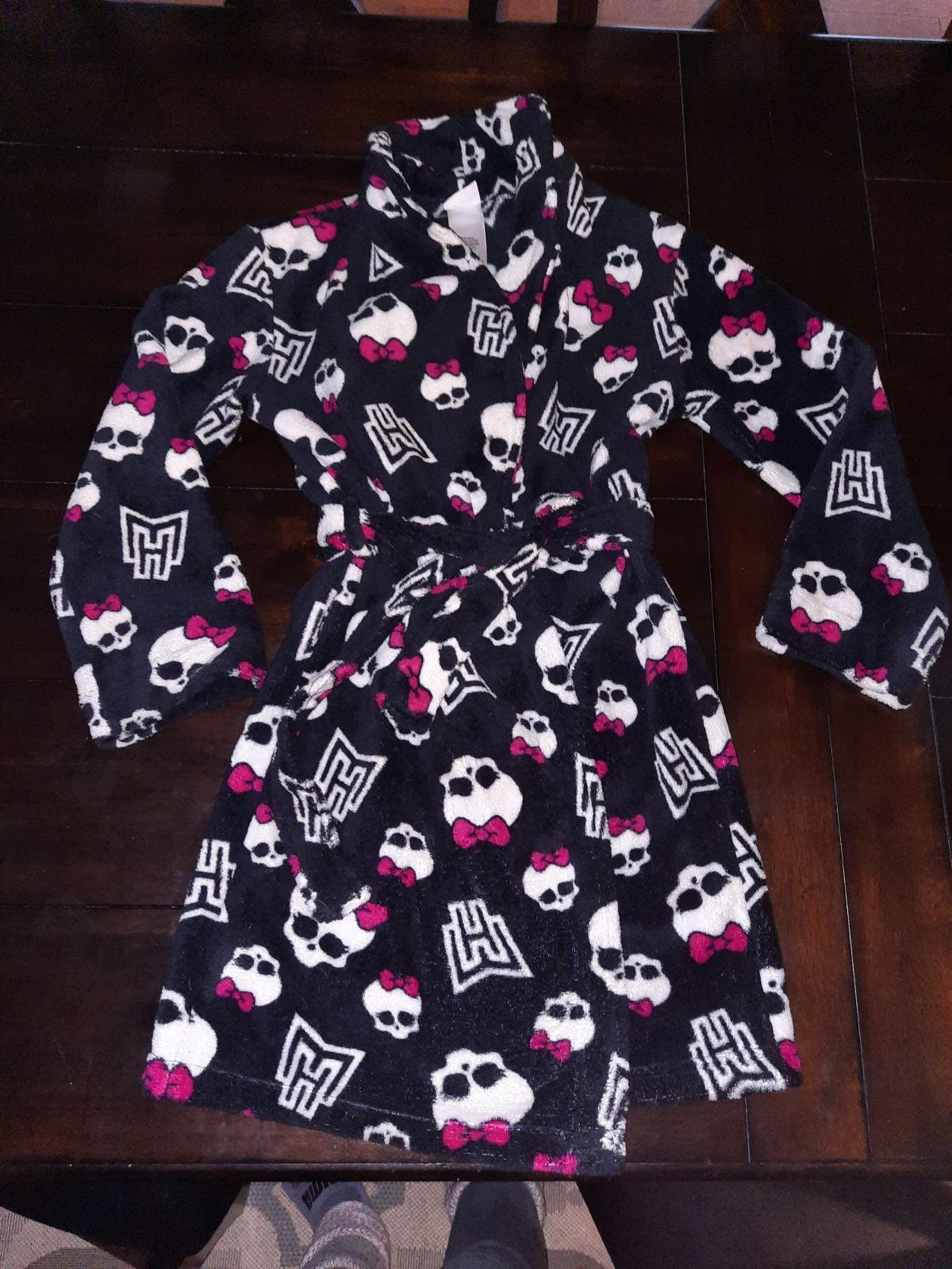 Girls Monster High robe size 7/8