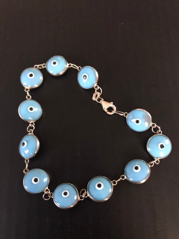 Bracelet with evil eyes