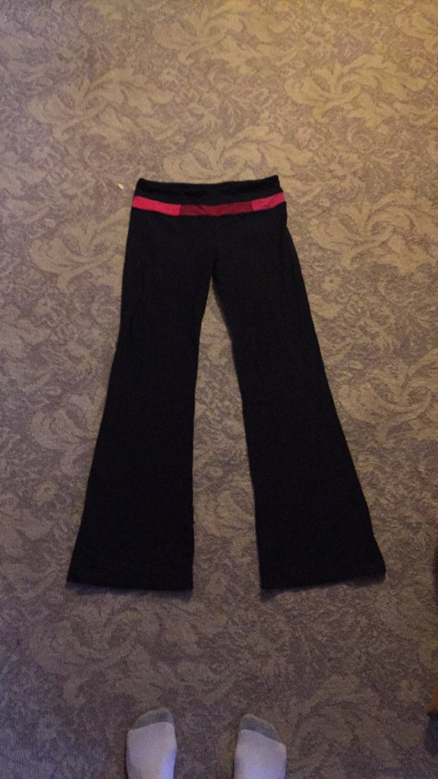 Lululemon size 8 Yoga pants
