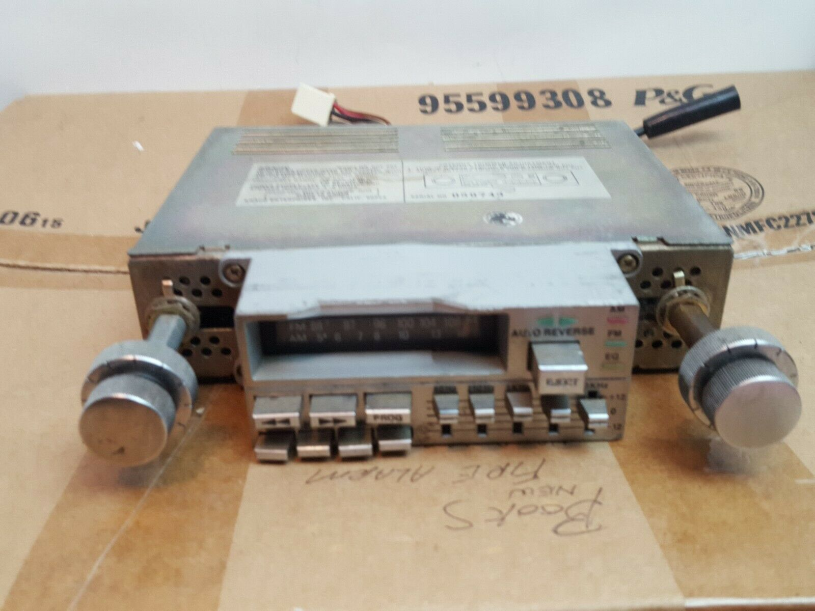 Vintage Kraco Model KGE-803 A AM/FM Cass
