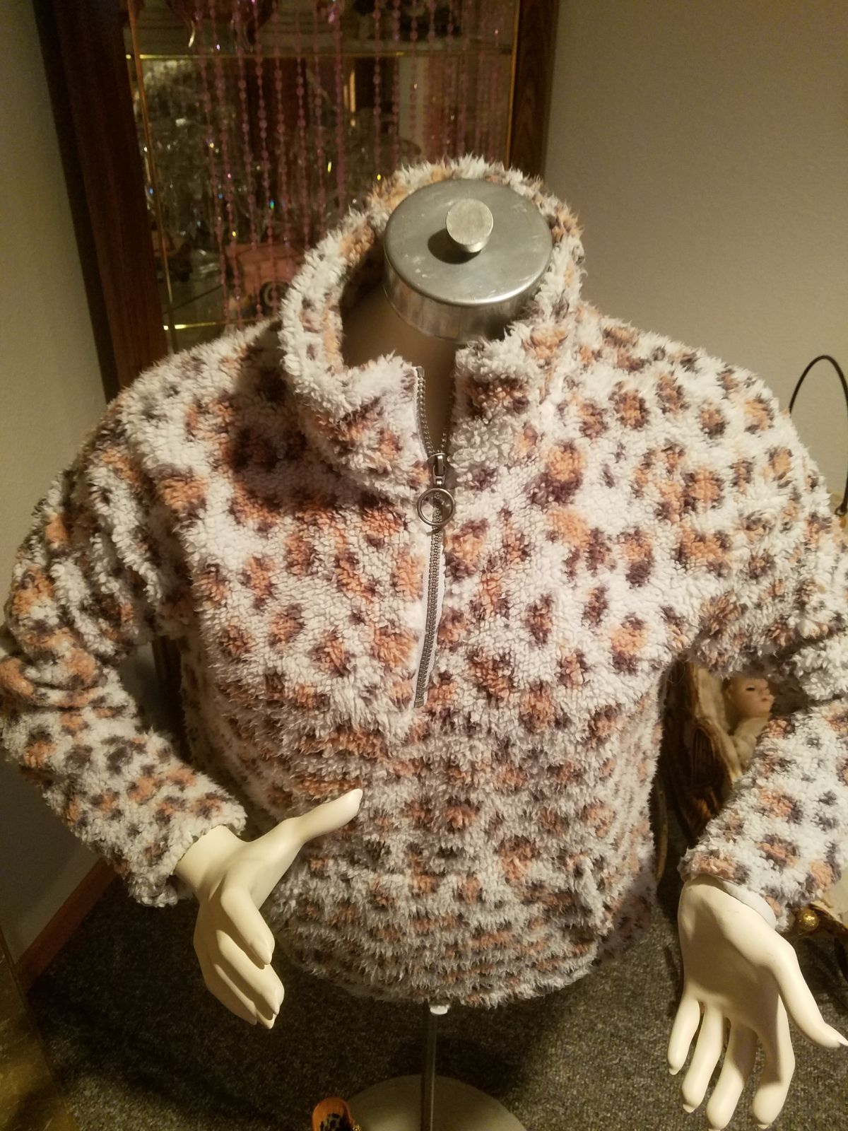Womens Fuzzy LEOPARD  Pull Over