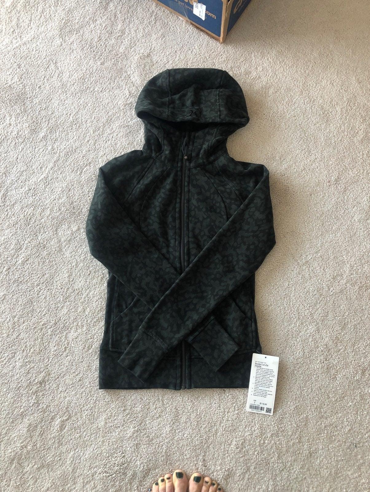 NWT Lululemon Scuba hoodie