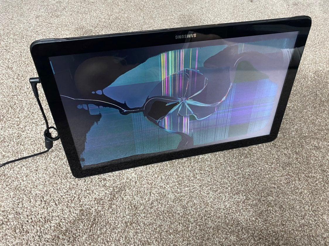 "Samsung galaxy view broken screen 18"""