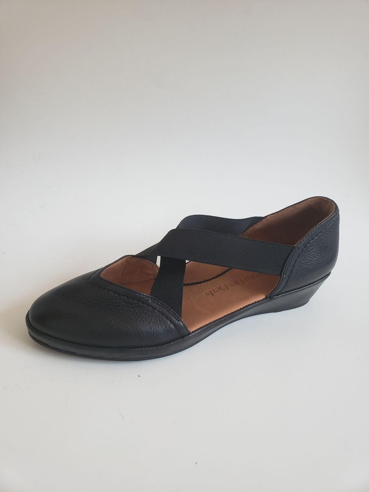 Lamour Des Pieds  black   leather  shoes