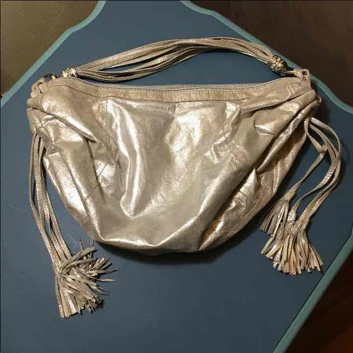 Silvery leather Fringed strap purse