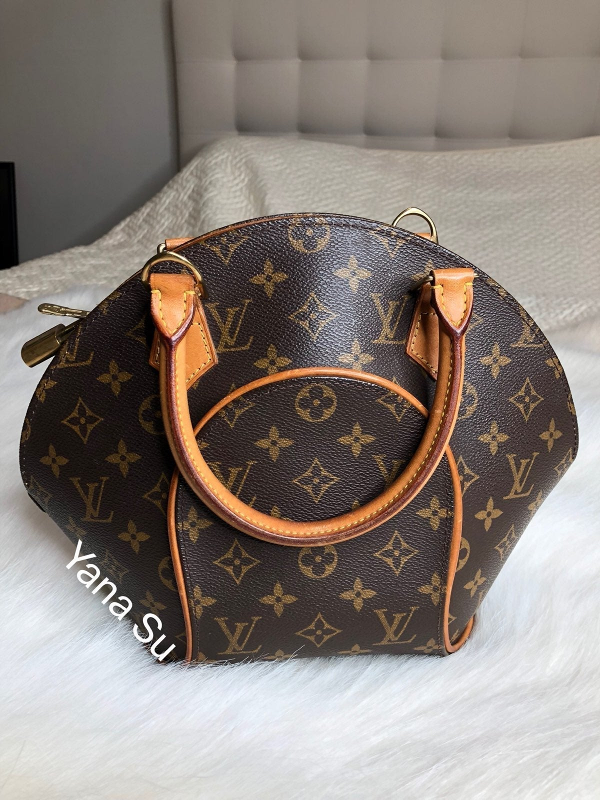 VINTAGE LOUIS VUITTON MONOGRAM ELLIPSE
