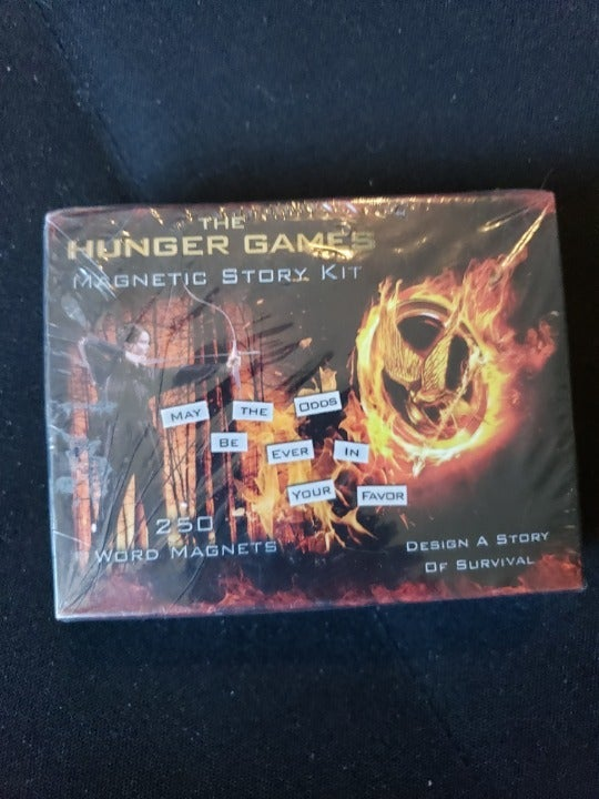 The Hunger Games Magnetic Story Kit