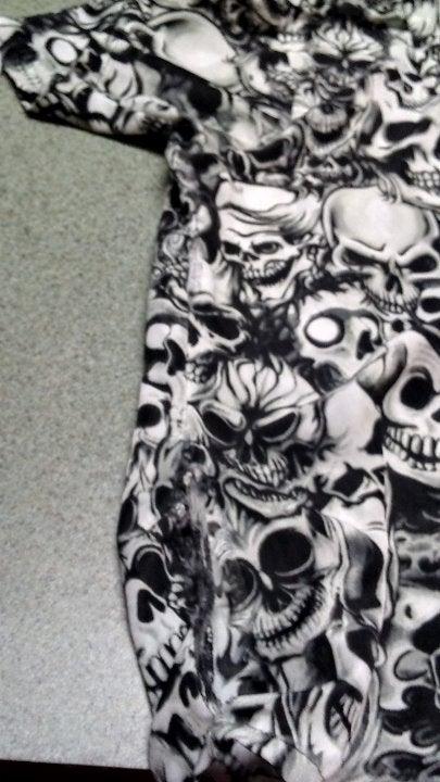 Short sleeved skull shirt