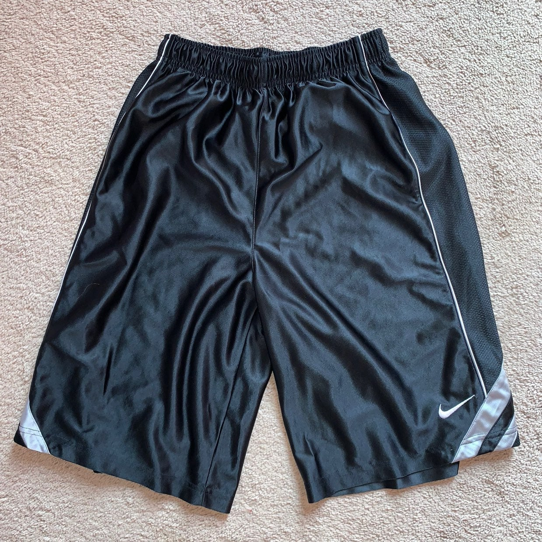 Mens Nike athletic Shorts XL