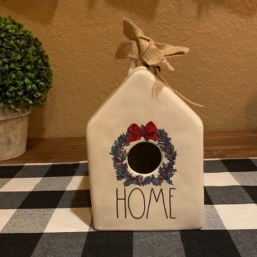 Vintage Wreath Birdhouse!