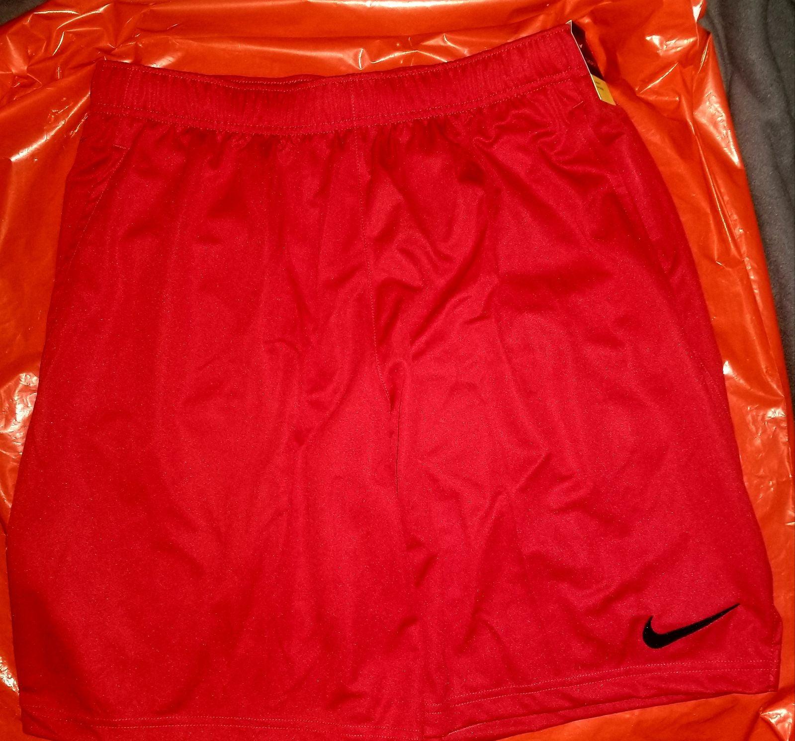 NWT Nike Mens Shorts XL