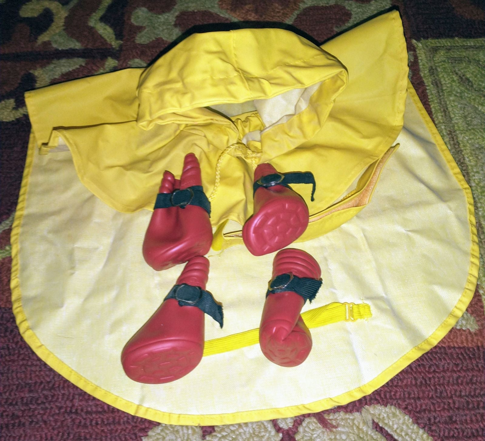Little Doggie Raincoat with booties