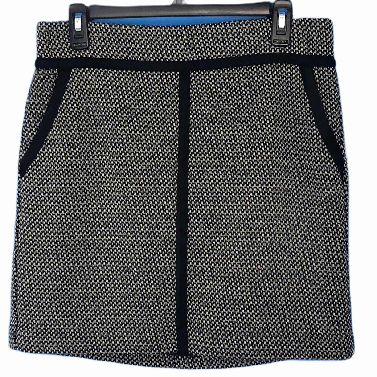 Ann Taylor Black White Houndstooth Skirt