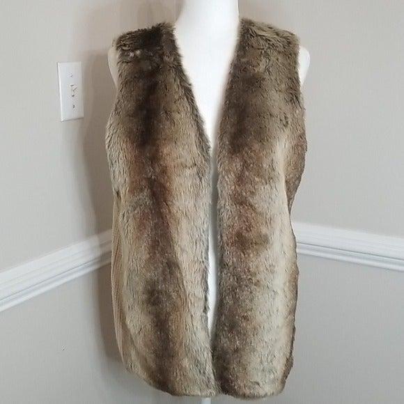 Liz Claiborne faux fur knit vest sz L
