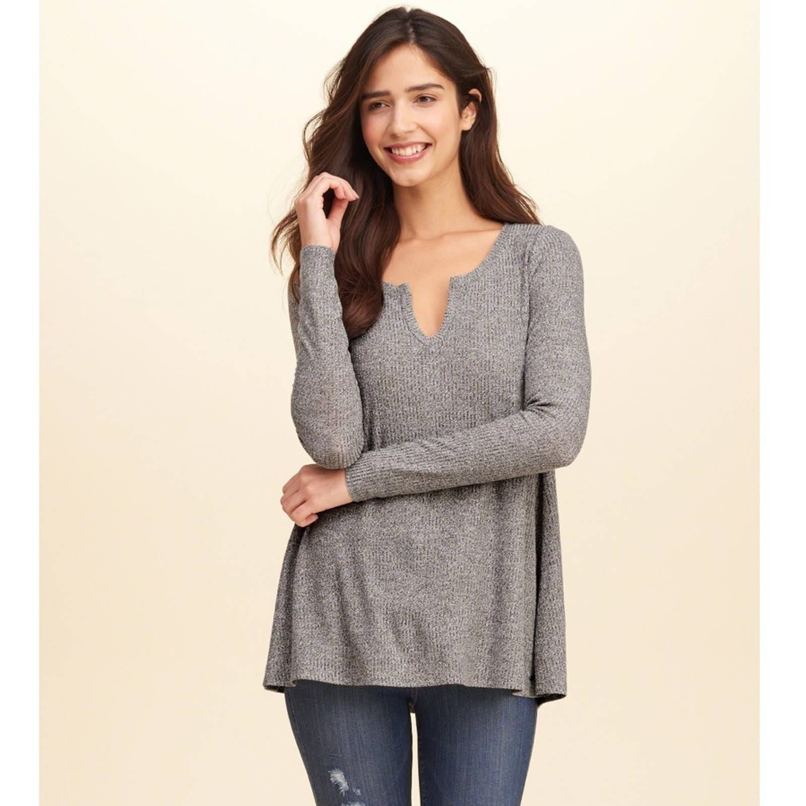 Hollister Grey Ribbed Must Have Top