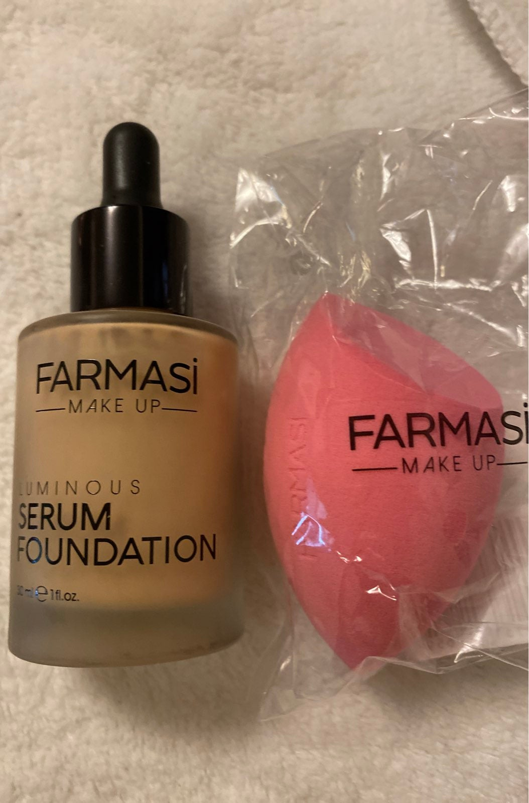 Serum foundation with sponge Bundle