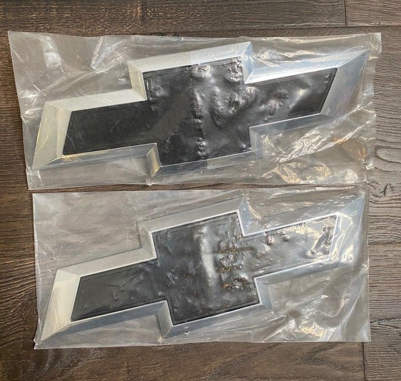 Chevy Silverado Emblem Set
