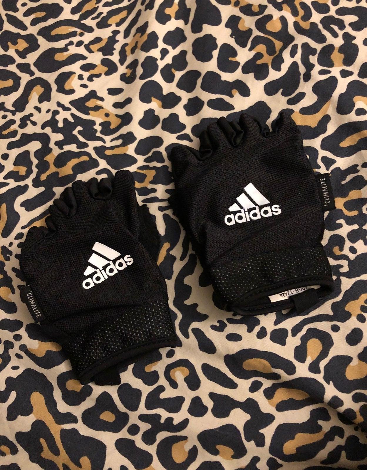 Adidas Women Gym Gloves Size Medium