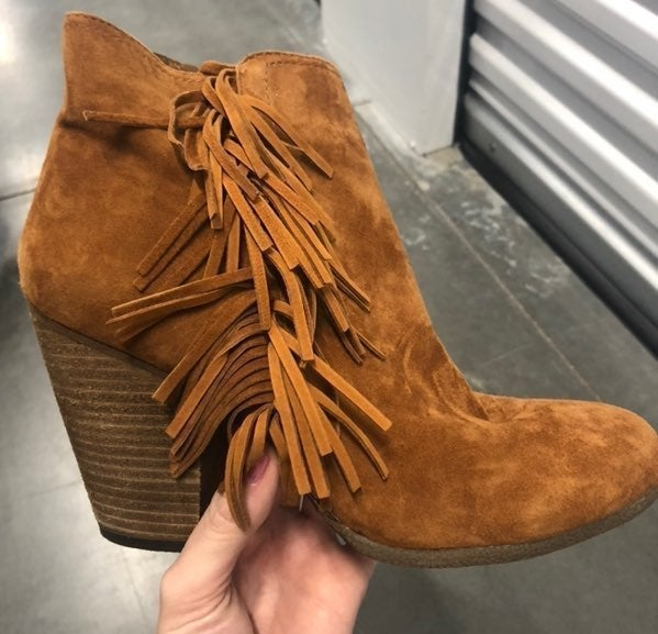 *NEW* VINCE CAMUTO ankle booties