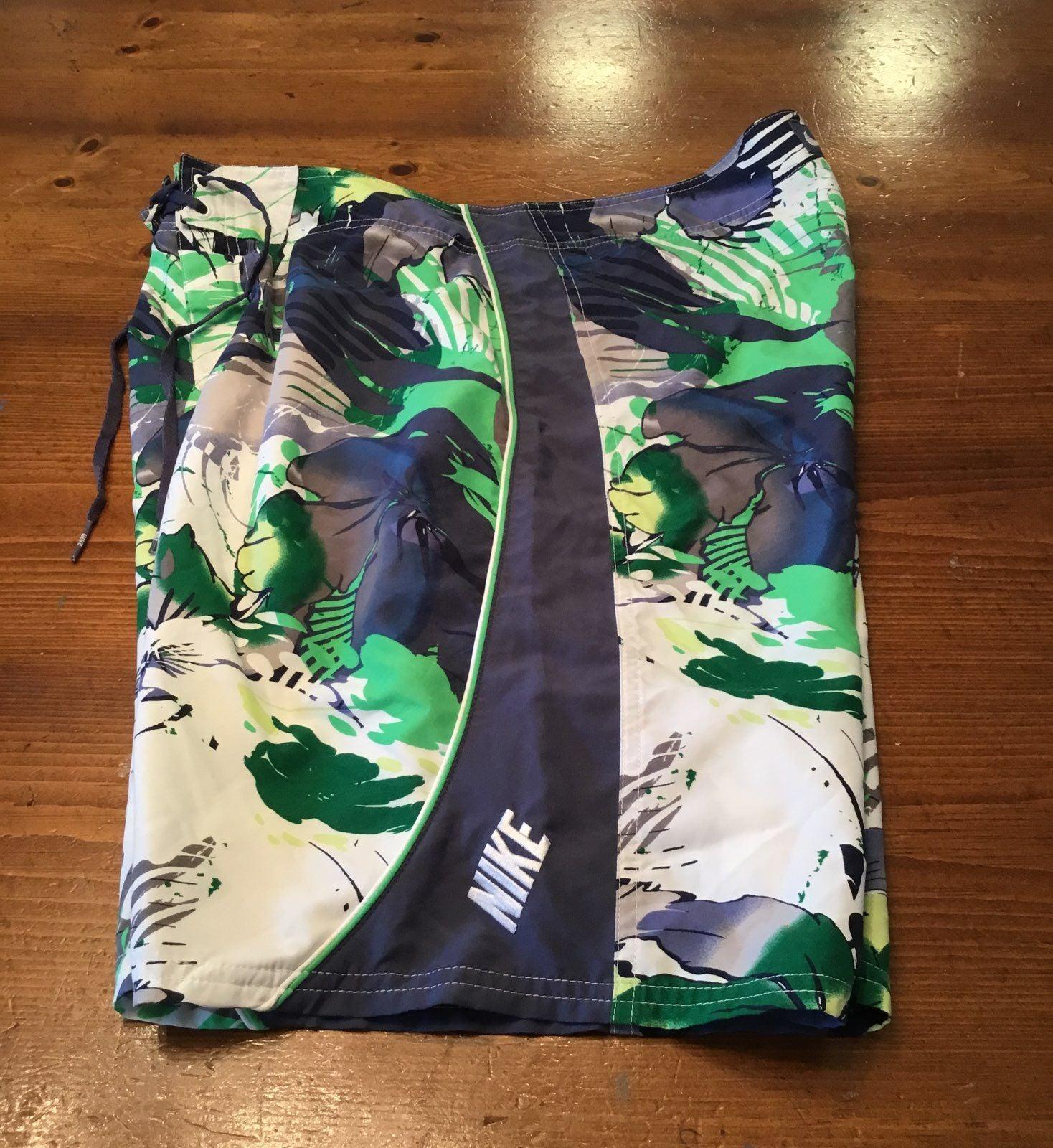 Nike Size 34 Board Shorts