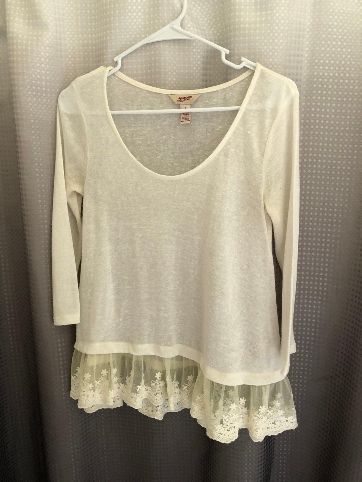Womens Top Sz-S Knit/W/Lace Detail