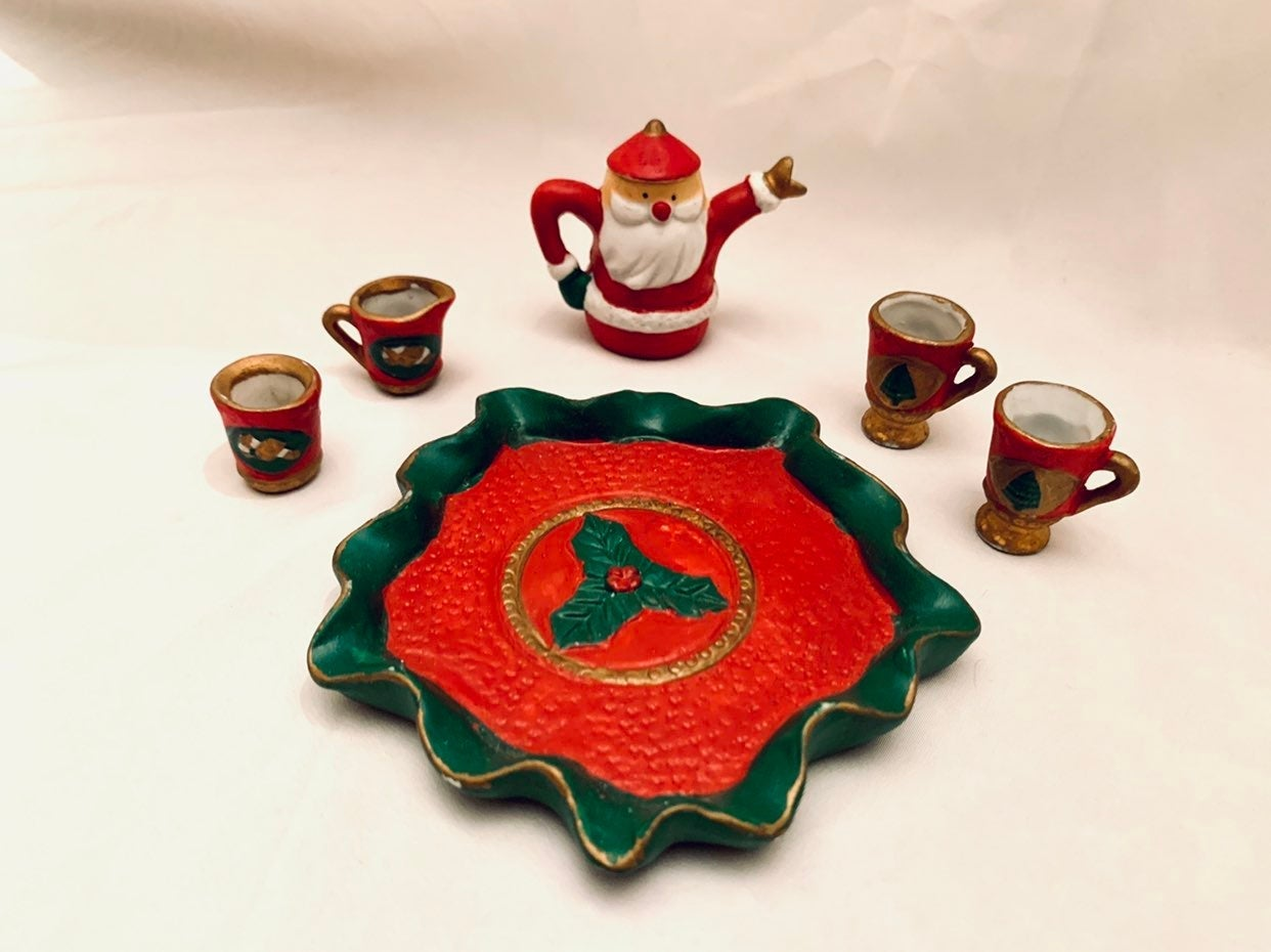 1:6 Scale Christmas Tea Set