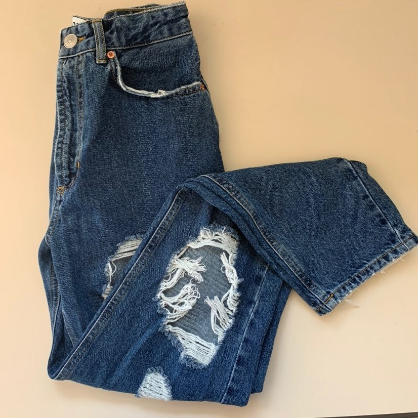 BDG Mom High Rise Jeans Destroyed