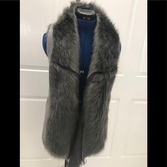 NWT-Sabine Gray Faux Fur Vest S