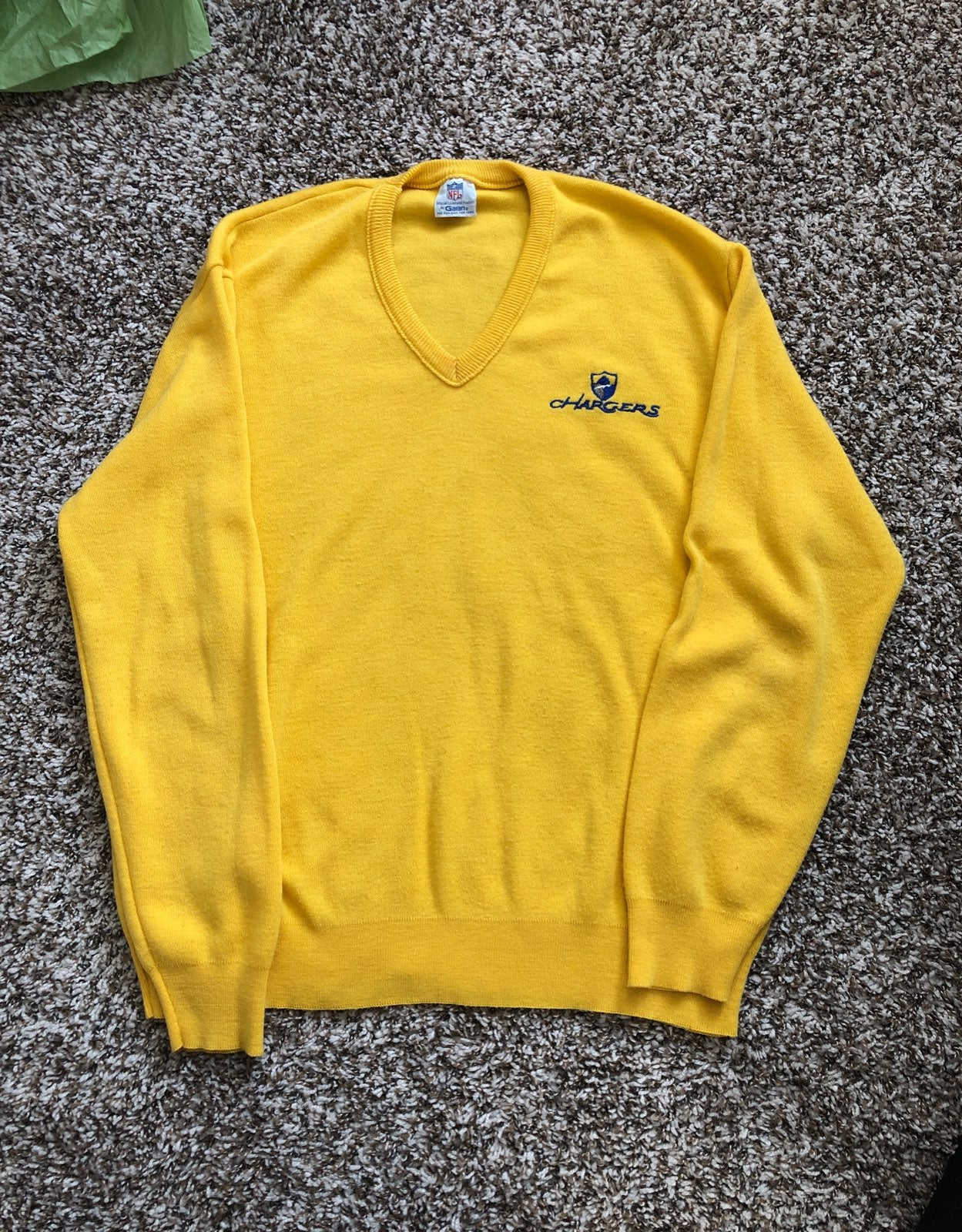 Chargers Men's v-neck sweater