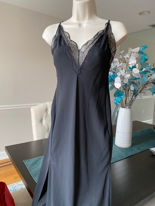VICTORIA SECRET BLK SLIP MIDI MEDIUM