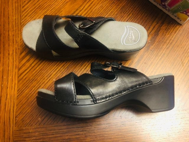 Dansko Sandals sz 36 NEW