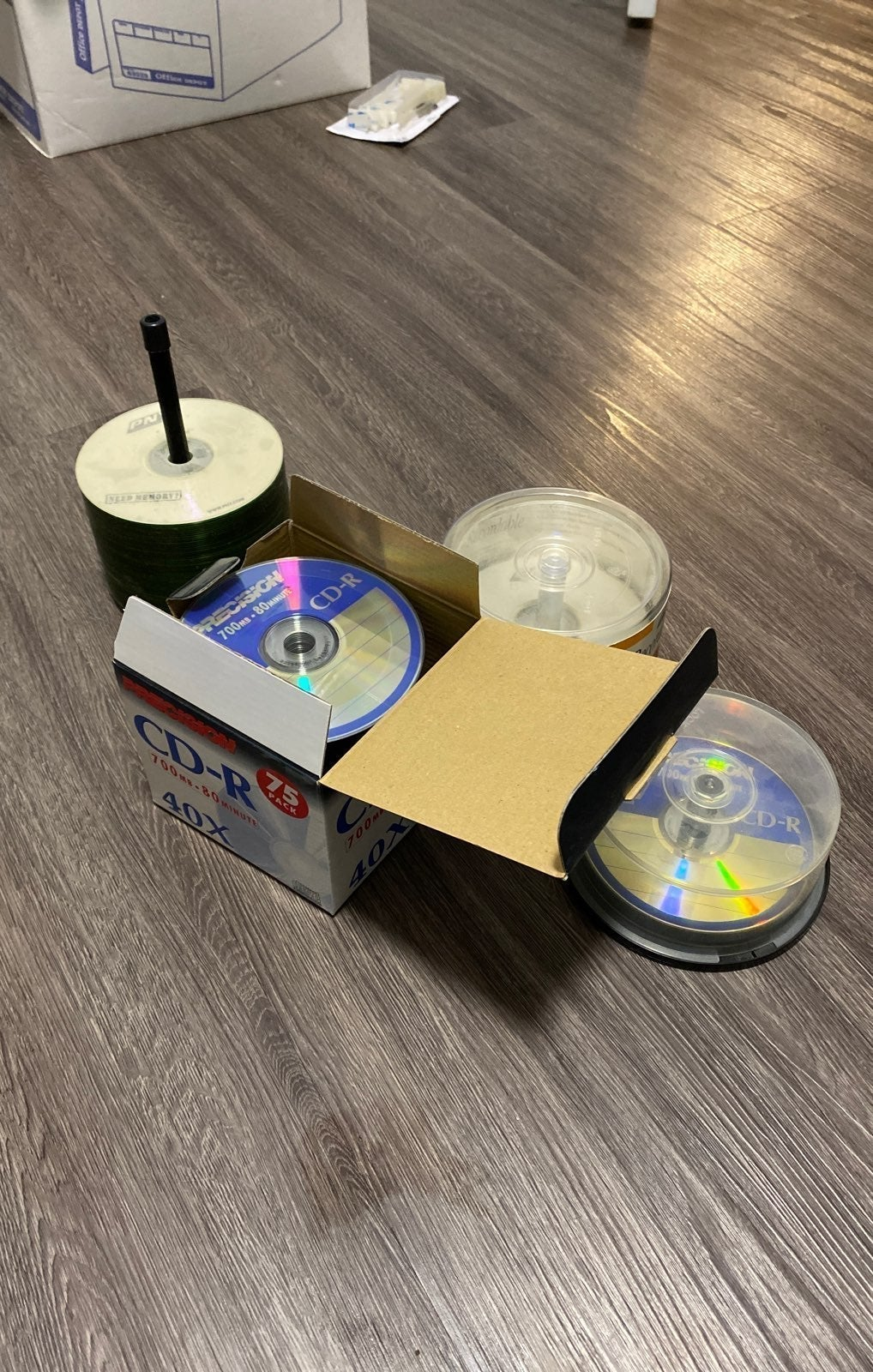 140 Blank recordable cd-r