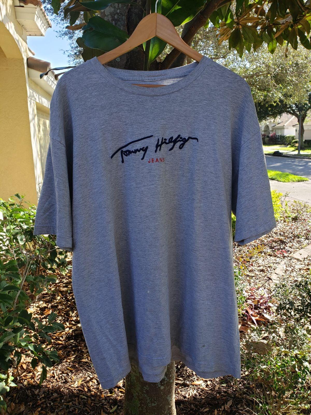 vintage Tommy Hilfiger jeans t shirt