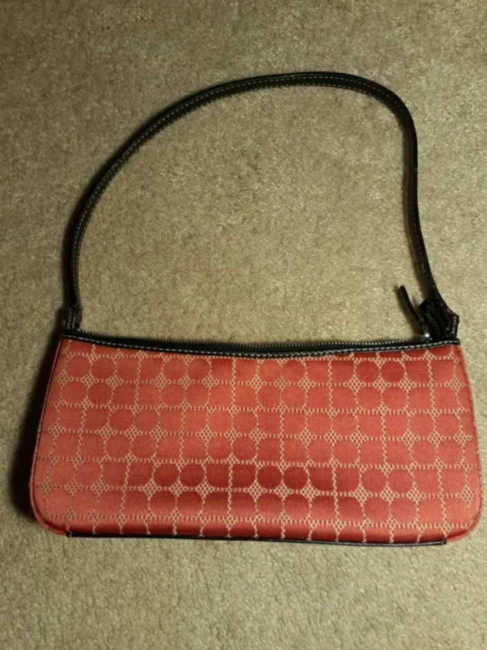 AUTHENTIC KATE SPADE SMALL PURSE (BAGUET