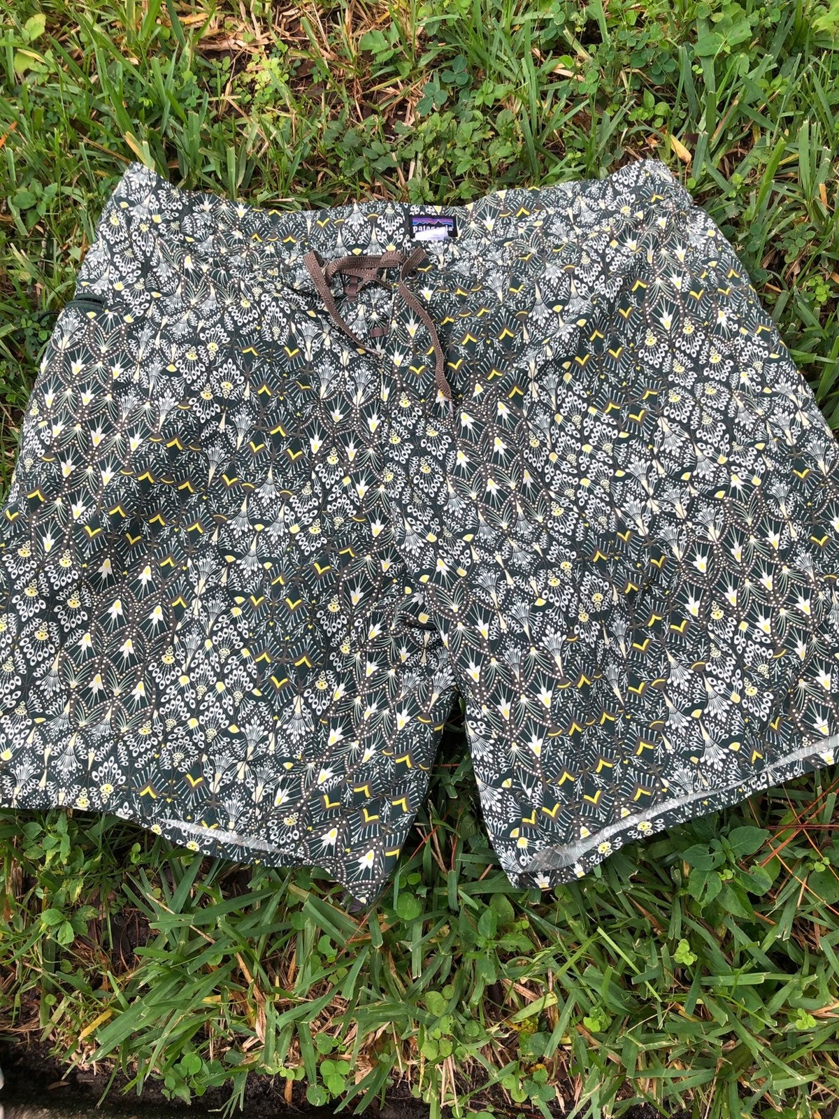 Patagonia : mens board shorts 40