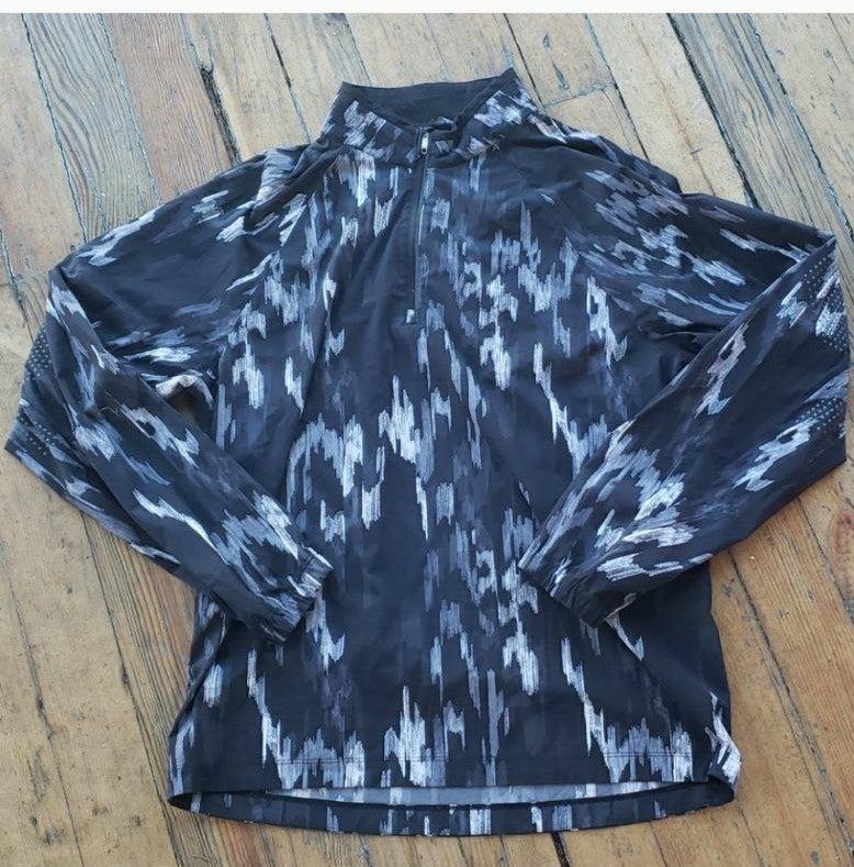 Lululemon black white running jacket