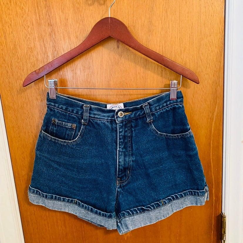 Carolina Blues Cuffed Jean Shorts Size 8