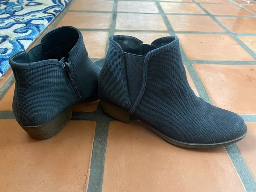 Grey ankle boots size 7.5