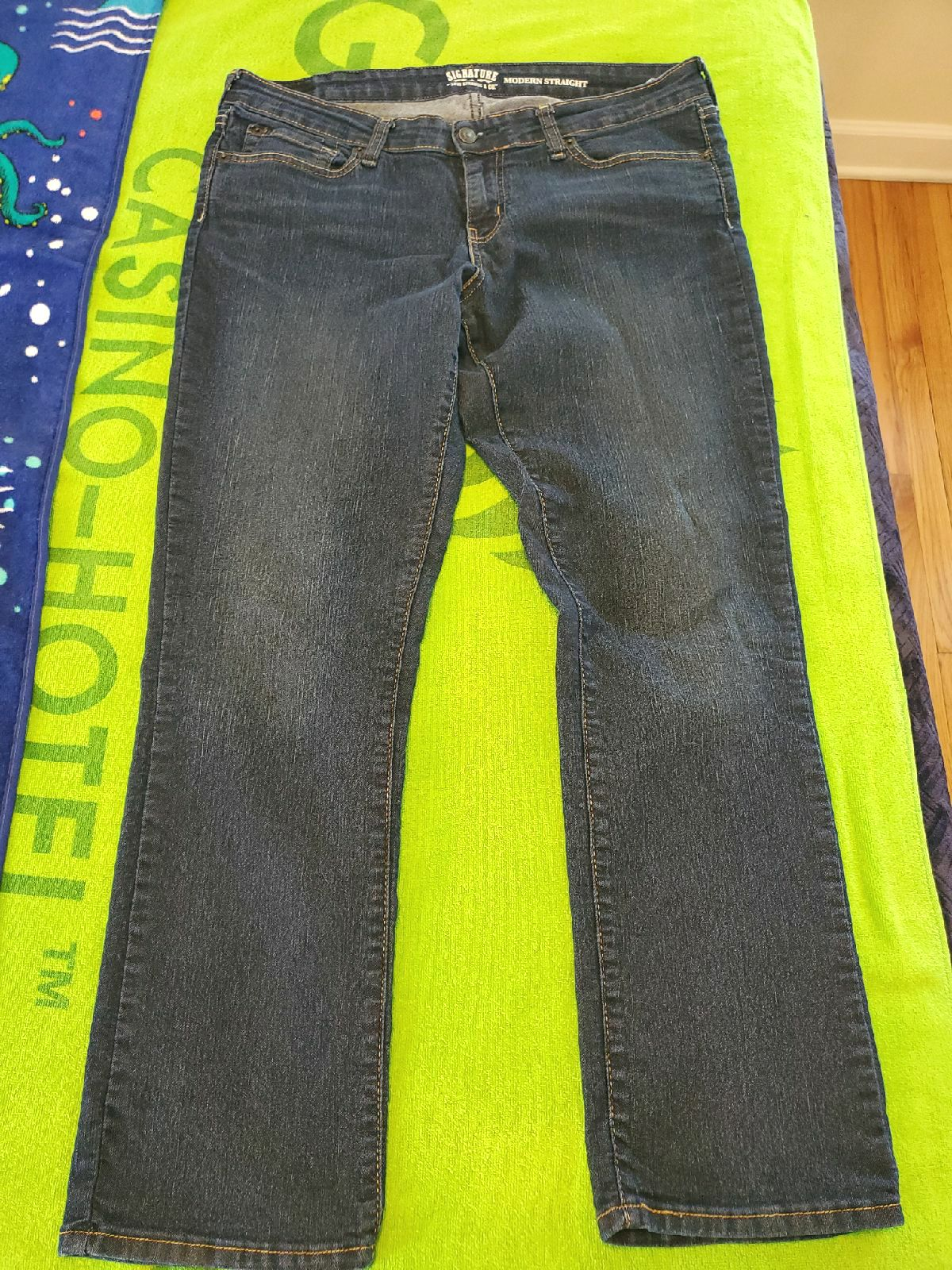 Levi Women's Jeans/16.
