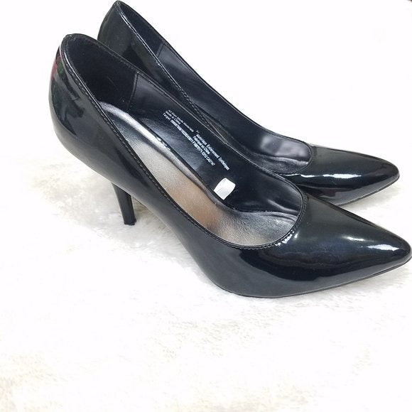 Mossimo Black Faux Patent Leather Pumps