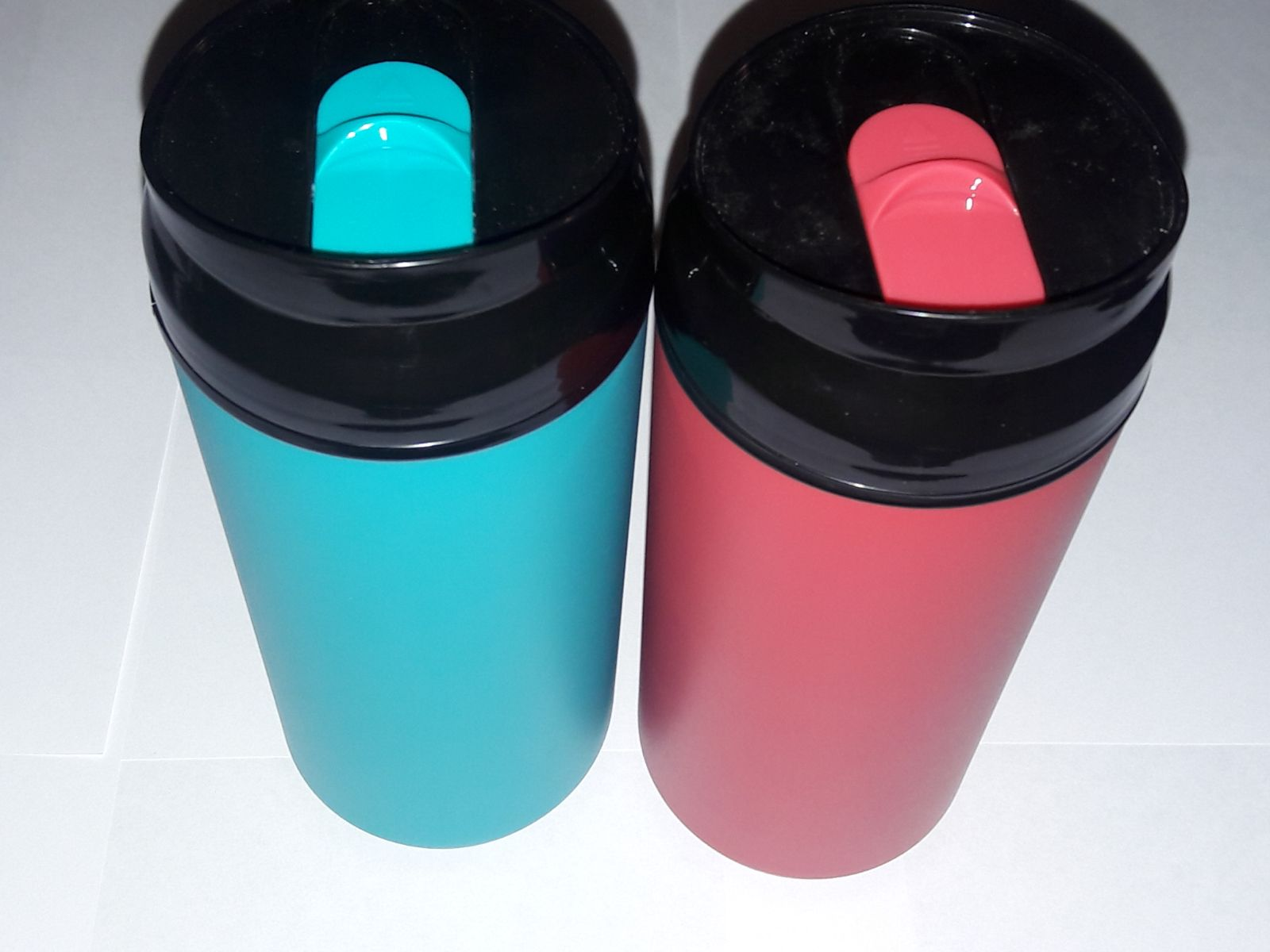Two Pak Travel Mug/Coffee with lid.