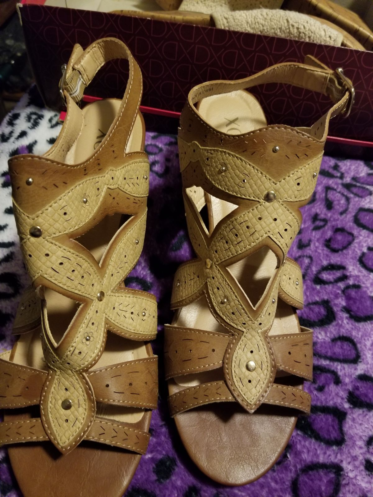 Cute flower designed wedges