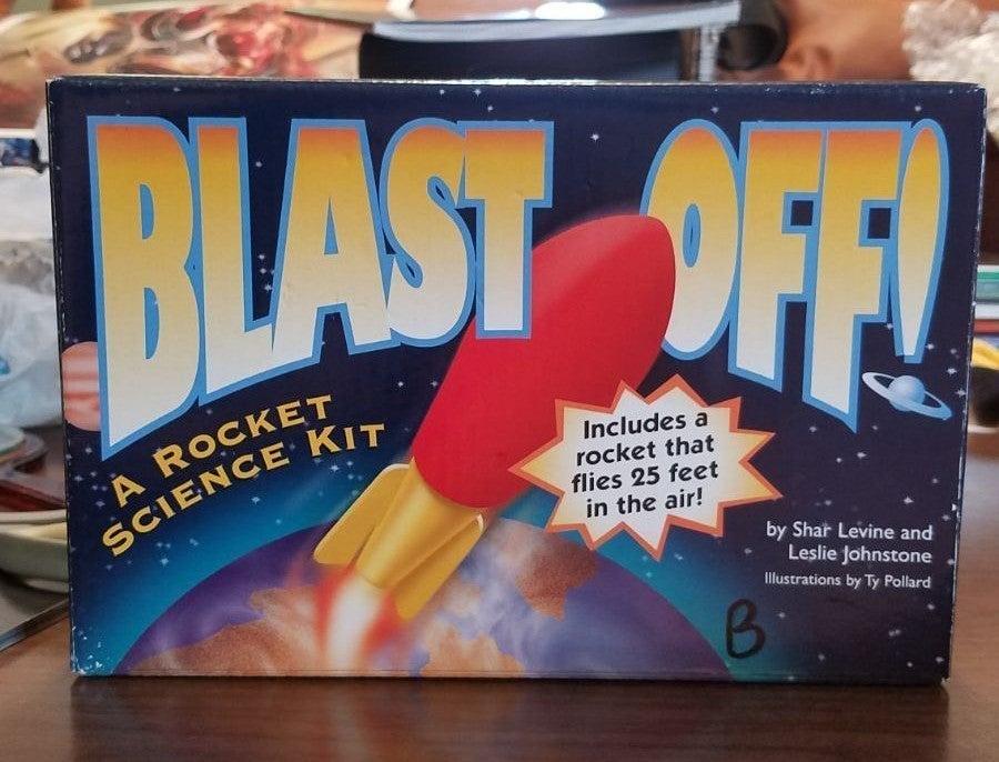 Blast Off Rocket science kit 2004 new
