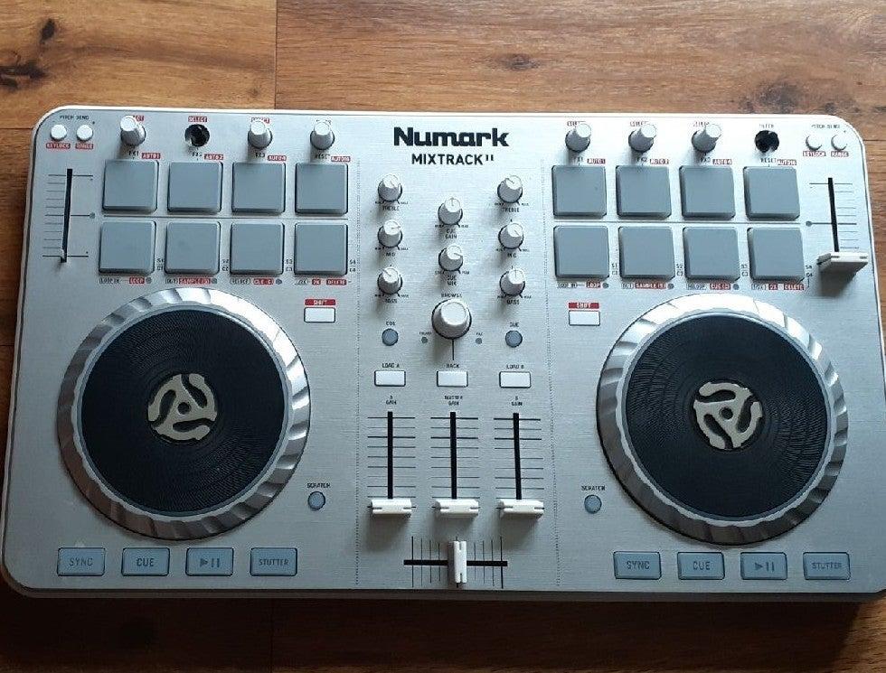 Numark Mixtrack II