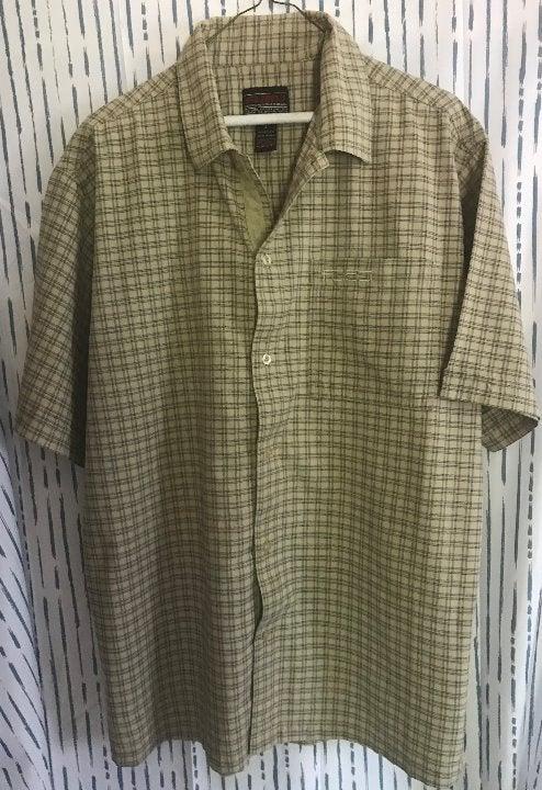 FUBU Men's Plaid Short Sleeved Shirt LRG