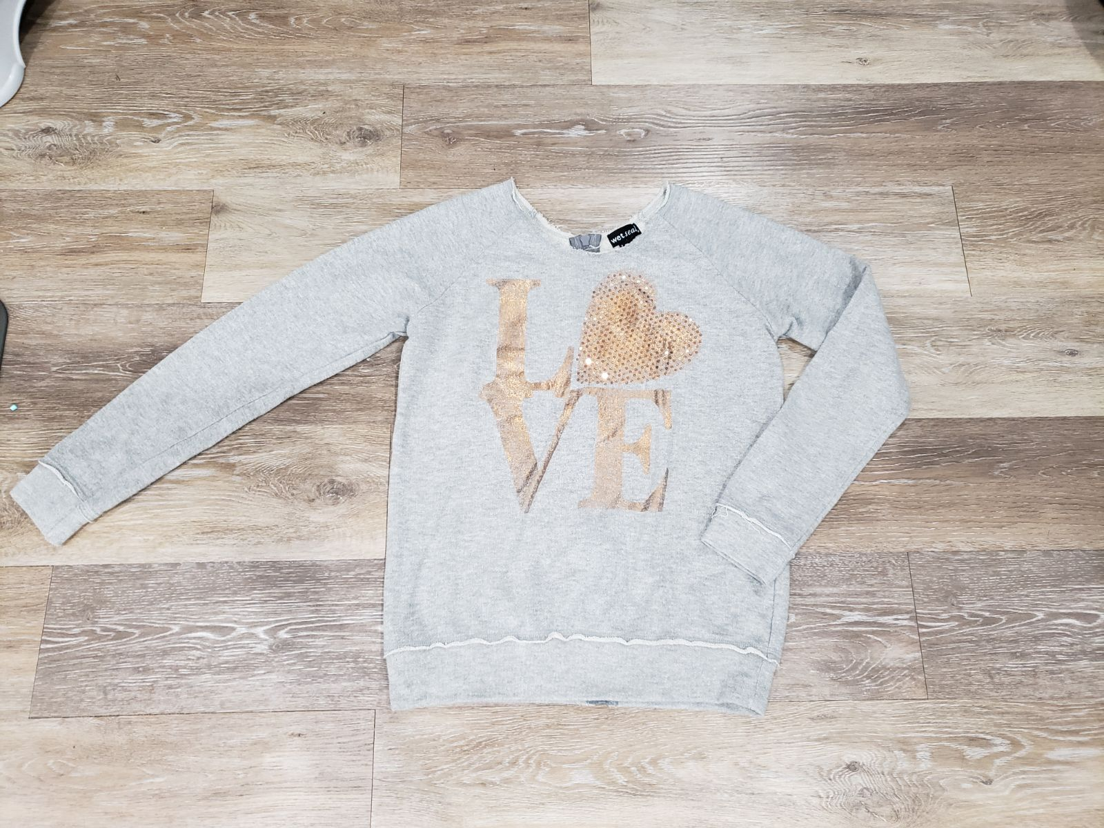 Wet Seal sz M LOVE sweater
