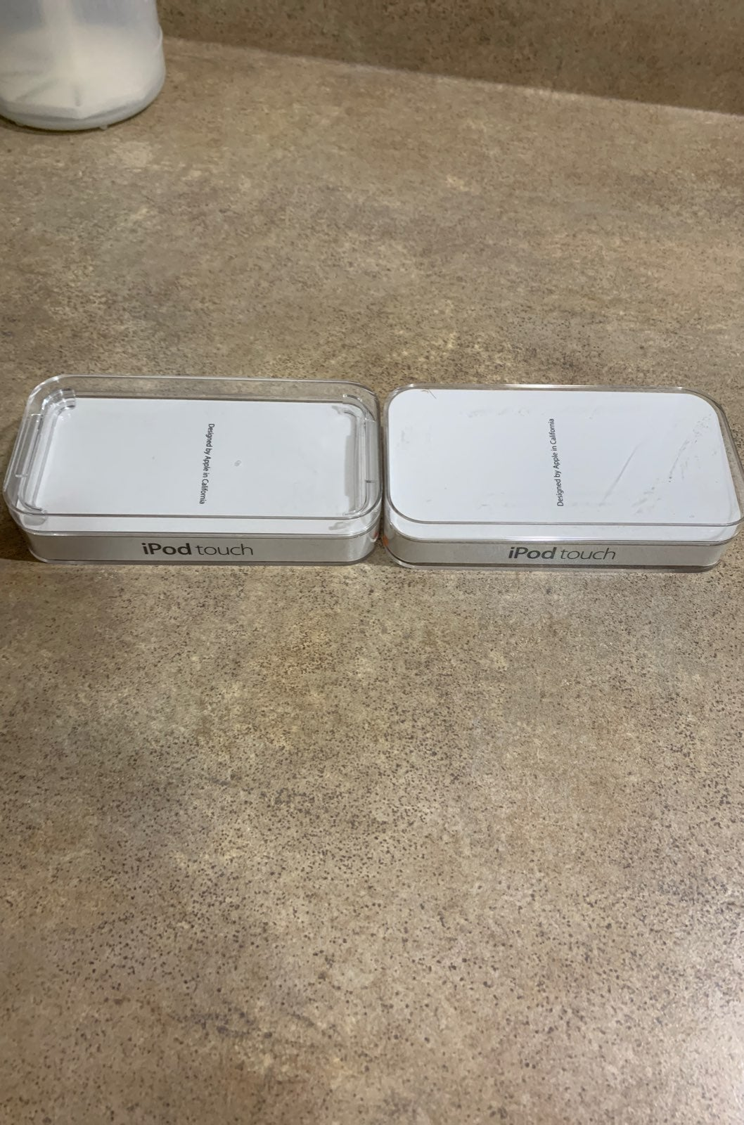 2x ipod touch 5th gen 16gb blue and whit