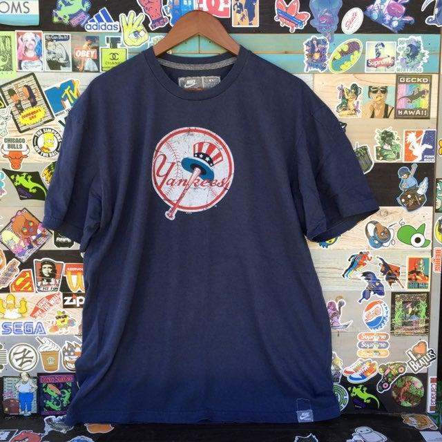 Nike New York Yankees Tee-L